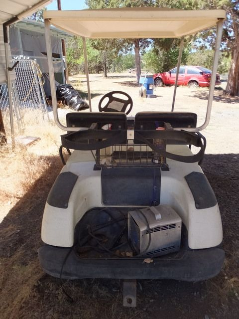 Lot detail yamaha electric golf cart with battery for Yamaha golf cart chargers