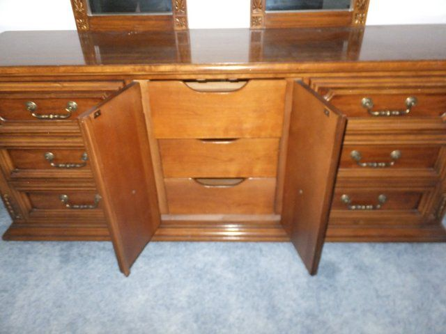 Double Mirrored Solid Wood Thomasville Lady S Dresser