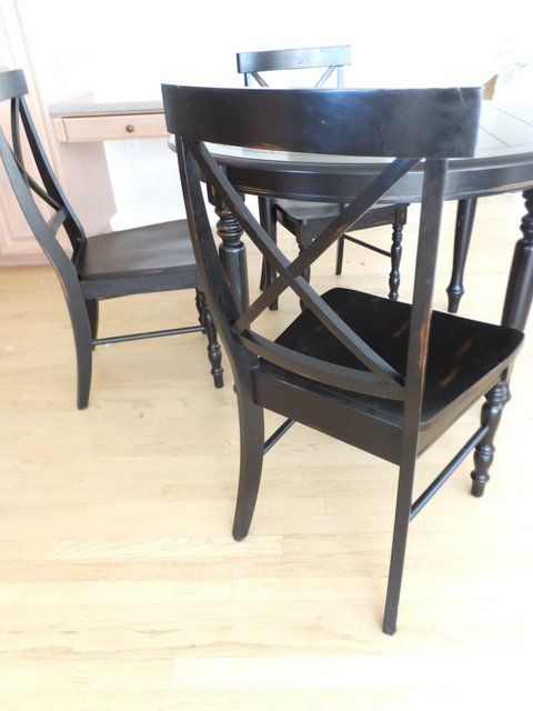 Lot Detail Black Antiqued Round Kitchen Table With Three Chairs