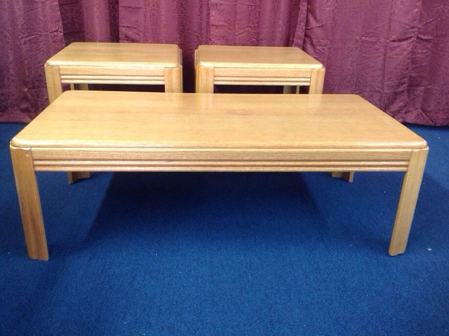 Lot Detail Matching Coffee Table Two Side Tables Oak Oak Veneer