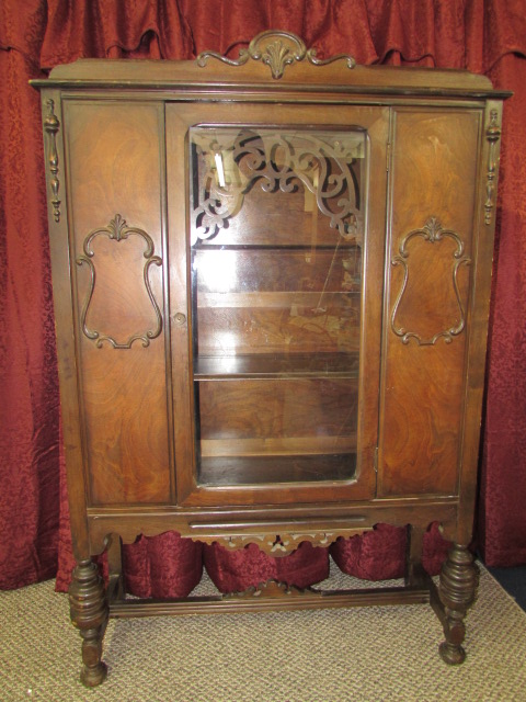Delicieux ANTIQUE GLASS FRONT CHINA CABINET ...