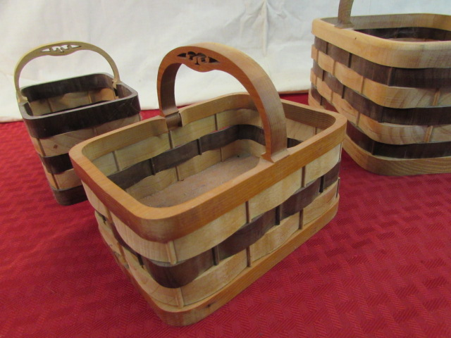 Handmade Basket Companies : Lot detail incredible handmade wooden baskets signed