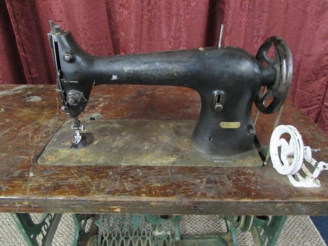 Lot Detail VINTAGE SINGER LEATHER SEWING MACHINE Adorable Vintage Leather Sewing Machine