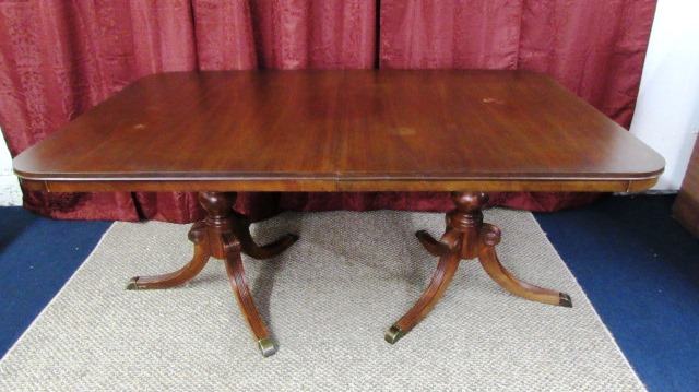 DREXEL DINING ROOM TABLE TRAVIS COURT COLLECTION VINTAGE ...