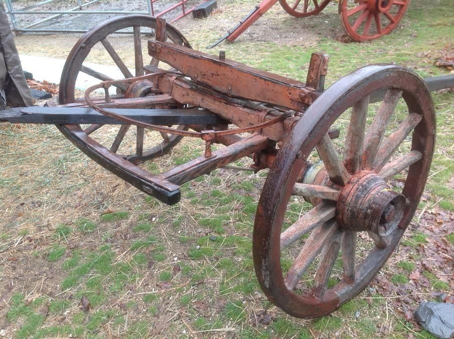 Wagon Front Axle : Lot detail antique wooden wagon wheel pair with axle