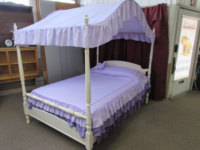 How To Use A Four Poster Bed Canopy To Good Effect: VINTAGE FULL SIZE FOUR POSTER CANOPY BED