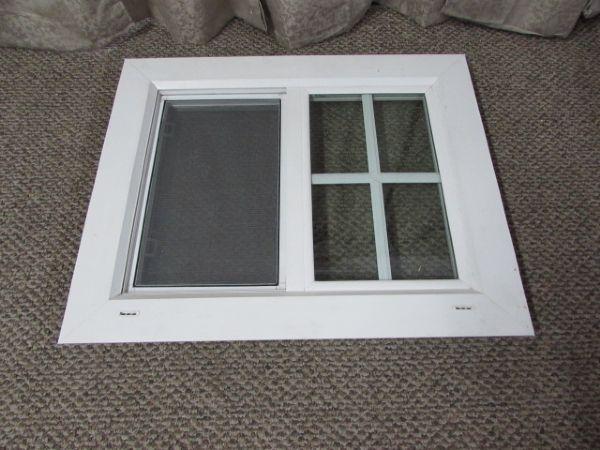 Lot detail horizontal double pane vinyl framed window for Double pane vinyl windows