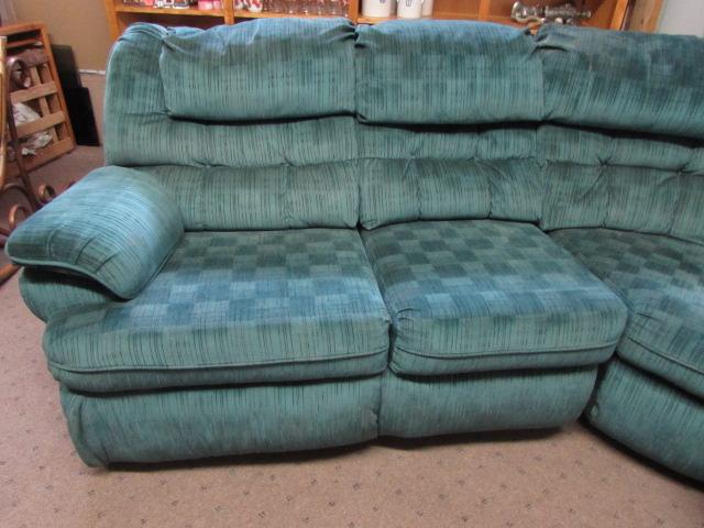 Lot Detail Large 3 Piece Lane Sectional Sofa