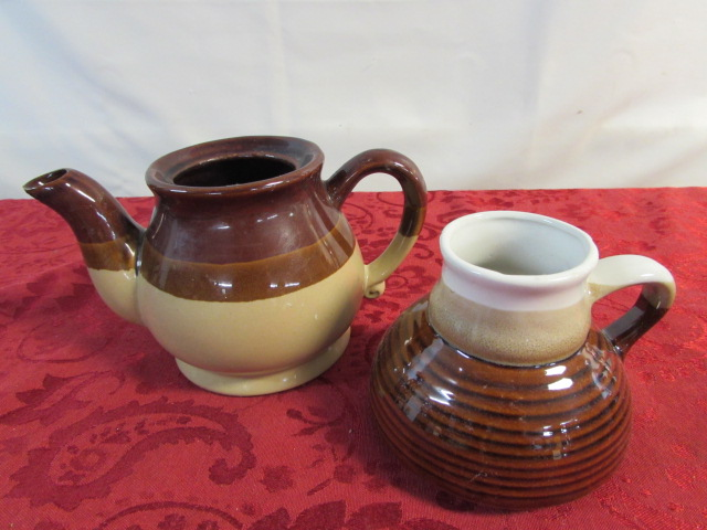 Glass Teapot Coffee Maker : Lot Detail - VINTAGE STAINLESS STEEL COFFEE MAKER, TOASTER, GLASS CARAFE, MUGS, TEAPOT