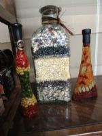 LOVELY KITCHEN DÉCOR LARGE JAR OF DECORATIVE BEANS & 2 PICKLED VEGIE JARS!