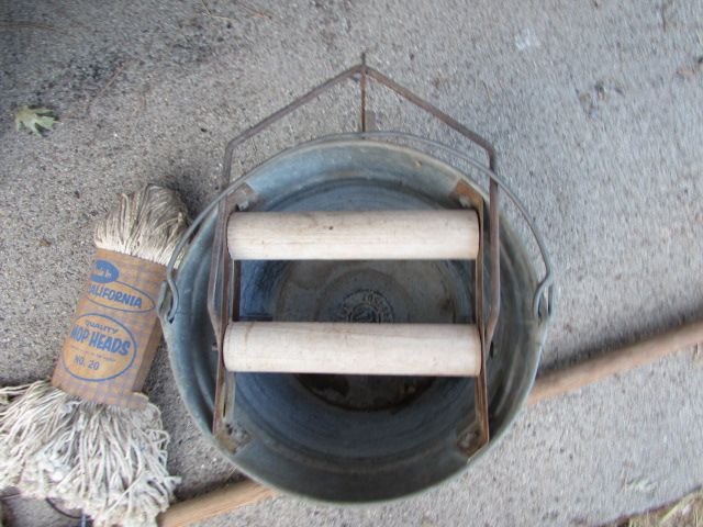 Lot Detail Galvanized Mop Bucket With Wringer