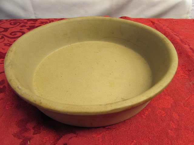 Lot Detail - PAMPERED CHEF STONEWARE, CLAY ROASTING PAN, SHORTBREAD ...