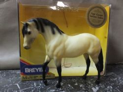 BREYER TRADITIONAL SCALE HORSE FUGIR CACADOR, LIMITED EDITION
