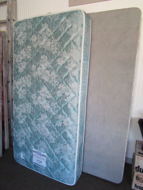 Sealy Twin Mattress Simmons Box Springs