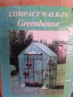 COMPACT WALK-IN GREEN HOUSE
