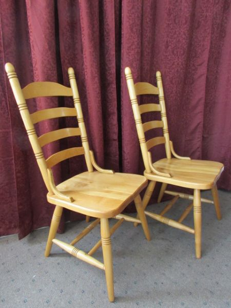 Lot detail a pair of ladder back all wood chairs nice