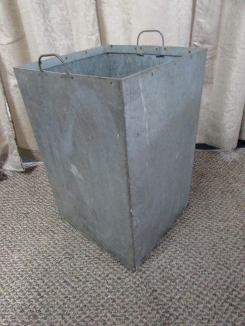 GALVANIZED METAL STORAGE BIN   SHOP BIN OR PLANTER?