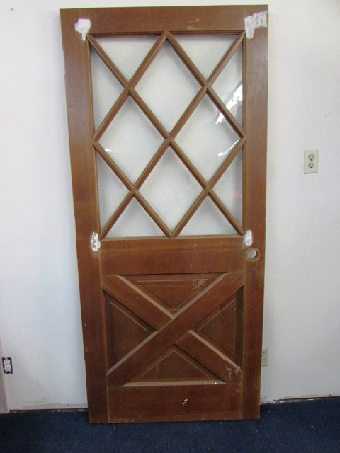 ... BEAUTIFUL HOUSE DOOR WITH DIAMOND WINDOW PATTERN u0026 BOTTOM CROSSBUCK PATTERN ... & Lot Detail - BEAUTIFUL HOUSE DOOR WITH DIAMOND WINDOW PATTERN ...