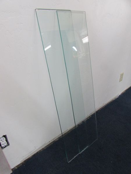 TWO PIECES OF TEMPERED GLASS FOR SHELVING