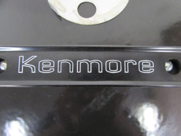 NICE 22.5 DIAMETER KENMORE KETTLE STYLE CHARCOAL GRILL