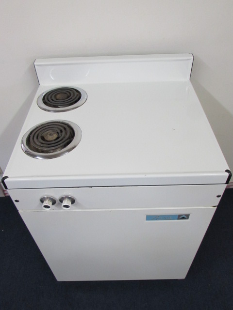 Lot Detail - COOL VINTAGE ACME STOVE REFRIGERATOR FREEZER COMBO ...
