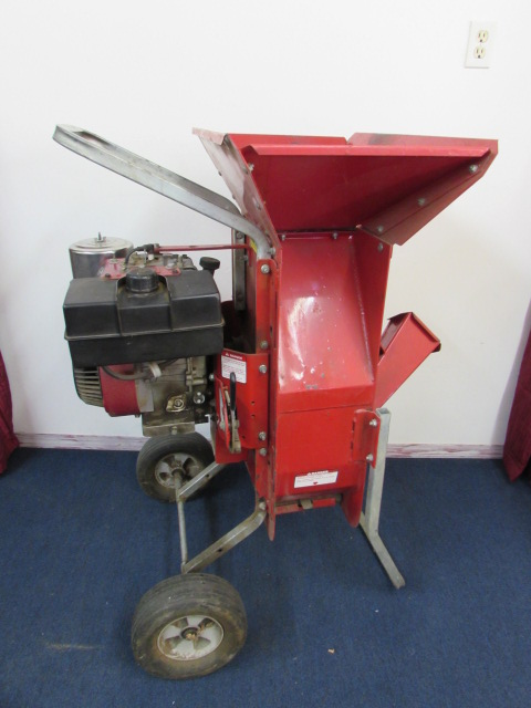 Lot Detail - TROY BUILT 8 HP WOOD CHIPPER WITH A BRIGGS