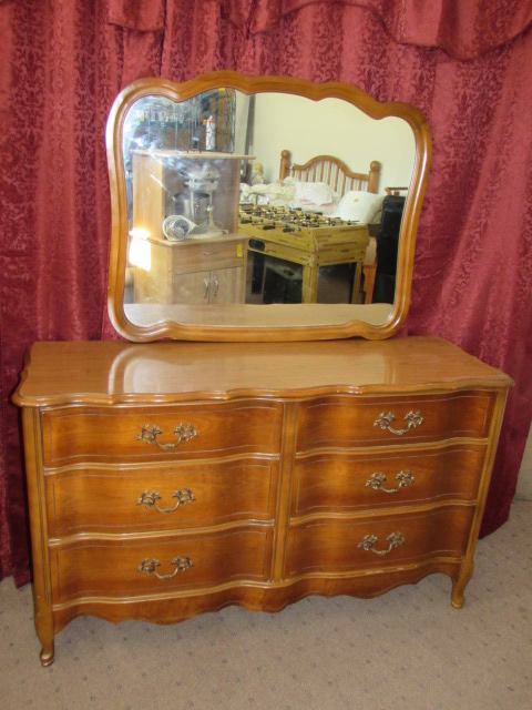 Merveilleux LOVELY BASSET FURNITURE INDUSTRIES INC. 6 DRAWER DRESSER WITH MIRROR ...