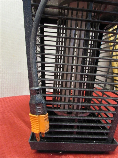 Lot Detail - FLOWTRON ELECTRONIC INSECT KILLER-ZAPS THEM GOOD