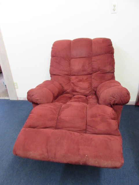 Lot Detail SUPER FY RECLINER TOP OF THE LINE