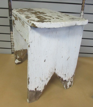 lot detail shabby chic primitive farm stool. Black Bedroom Furniture Sets. Home Design Ideas