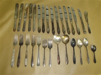 LOADS OF VINTAGE SILVERPLATE FLATWARE OF VARIOUS STYLES & MAKERS