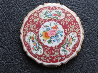 BEAUTIFUL STRATTON RED ENAMEL COMPACT WITH BIRDS & FLOWERS