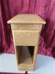 WELL MADE NARROW OAK SIDE TABLE WITH DRAWER