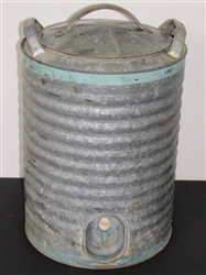VINTAGE GALVANIZED DRINK COOLER HOLDS 5 GALLONS