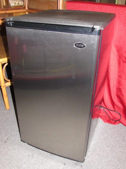 very nice stainless steel sanyo mini fridge