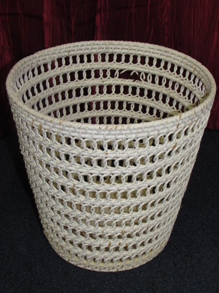 Lot detail white wicker stool table waste basket for Covered bathroom wastebasket