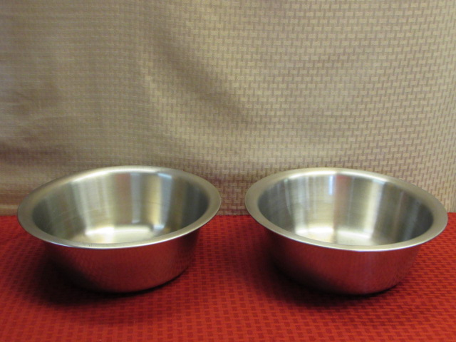 Lot Detail - TWO HEAVY DUTY VOLLRATH STAINLESS STEEL WASH BASINS
