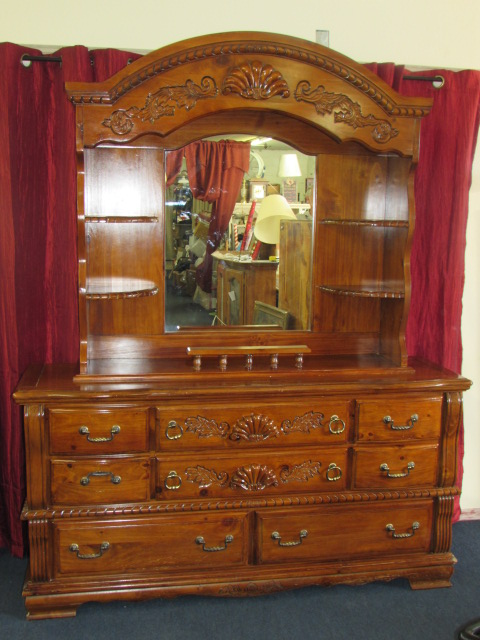 Dresser With Hutch Mir...