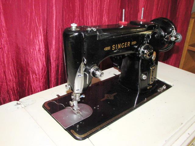 Lot Detail BEAUTIFUL ITALIAN MADE SINGER SEWING MACHINE MODEL 40M Delectable Italian Sewing Machine