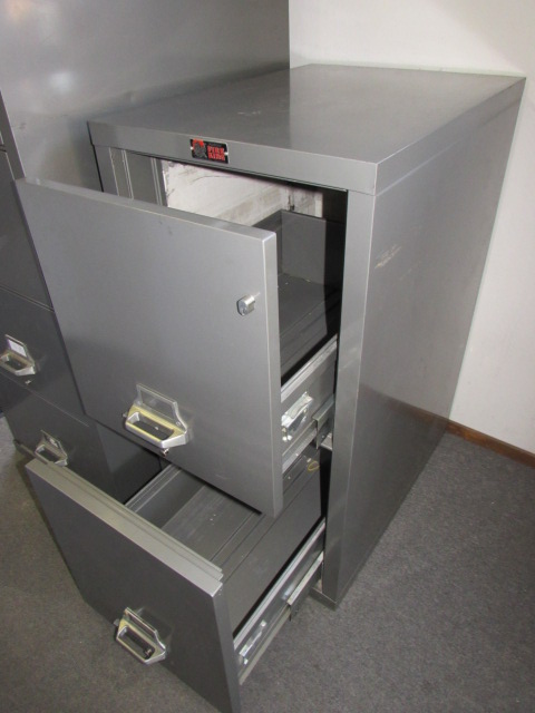 Lot Detail - MURPHY FIREKING FIREPROOF 2 DRAWER LOCKING FILE CABINET