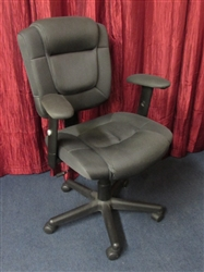COMFORTABLE OFFICE CHAIR WITH ADJUSTABLE SEAT & ARM RESTS
