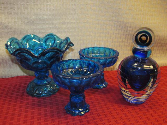 Lot Detail Stunning Fifth Avenue Crystal Art Glass Perfume Bottle