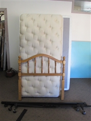 COMPLETE TWIN SIZE BED WITH CLASSIC WOOD HEADBOARD, NICE MATTRESS SET & FRAME