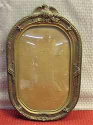 ANTIQUE CIVIL WAR ERA OVAL FRAME W EAGLE, STARS & FLAGS, CONVEX GLASS AS SEEN ON PICKERS