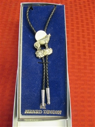 HOWL AT THE MOON!  NEW IN BOX WOLF BOLO TIE