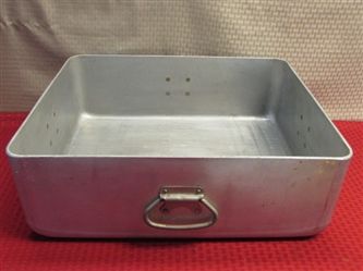 EXTRA LARGE RESTAURANT QUALITY STAINLESS STEEL US BLOOMFIELD RECTANGULAR PAN -WASH YOUR CAMP DISHES, THE DOG, ROCKS OR . . . ?