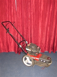 LIKE NEW !!!!! TOP OF THE LINE CRAFTSMAN WEED TRIMMER WITH AMERICAN MADE BRIGGS & STRATTON ENGINE