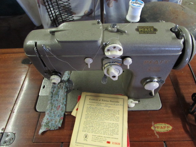 Lot Detail CLASSIC PFAFF SEWING MACHINE IN ORIGINAL MODERN DESK Stunning Pfaff 1540 Sewing Machine