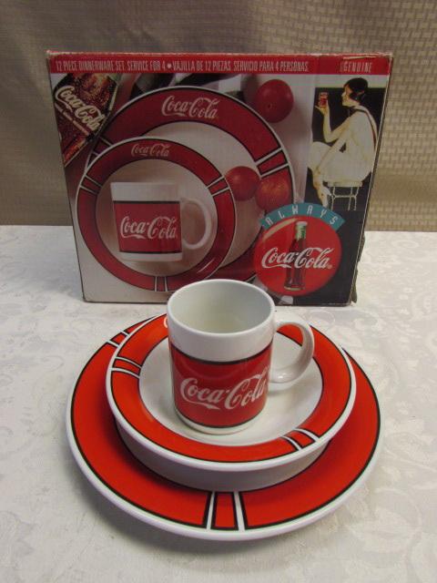 ... BRAND NEW 12 PIECE COCA-COLA DINNERWARE SET ... & Lot Detail - BRAND NEW 12 PIECE COCA-COLA DINNERWARE SET