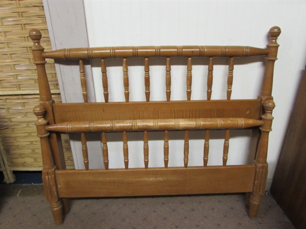 Lot Detail Wood Twin Bed Frame With Rails